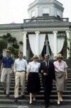 La-reine-Paola-et-le-roi-Albert-II-avec-la-princesse-Astrid-et-les-princes-Philippe-et-Laurent.jpg