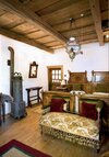 prince-charles-house-bedroom-z.jpg
