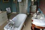 prince-charles-bathroom-2-z.jpg