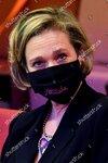 pink-ribbon-press-conference-zaventem-belgium-shutterstock-editorial-12443689s.jpg