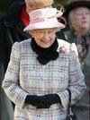 Queen+Elizabeth+II+Attends+Church+Norfolk+-xWJxn4TA7-l.jpg