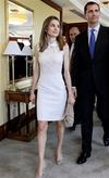 Letizia vestido blanco encaje Harvard.png