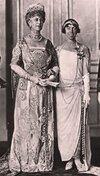 Queen_Mary_and_Queen_Elisabeth.jpg