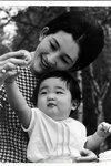 Empress Michiko 2 - Cotilleando.jpg